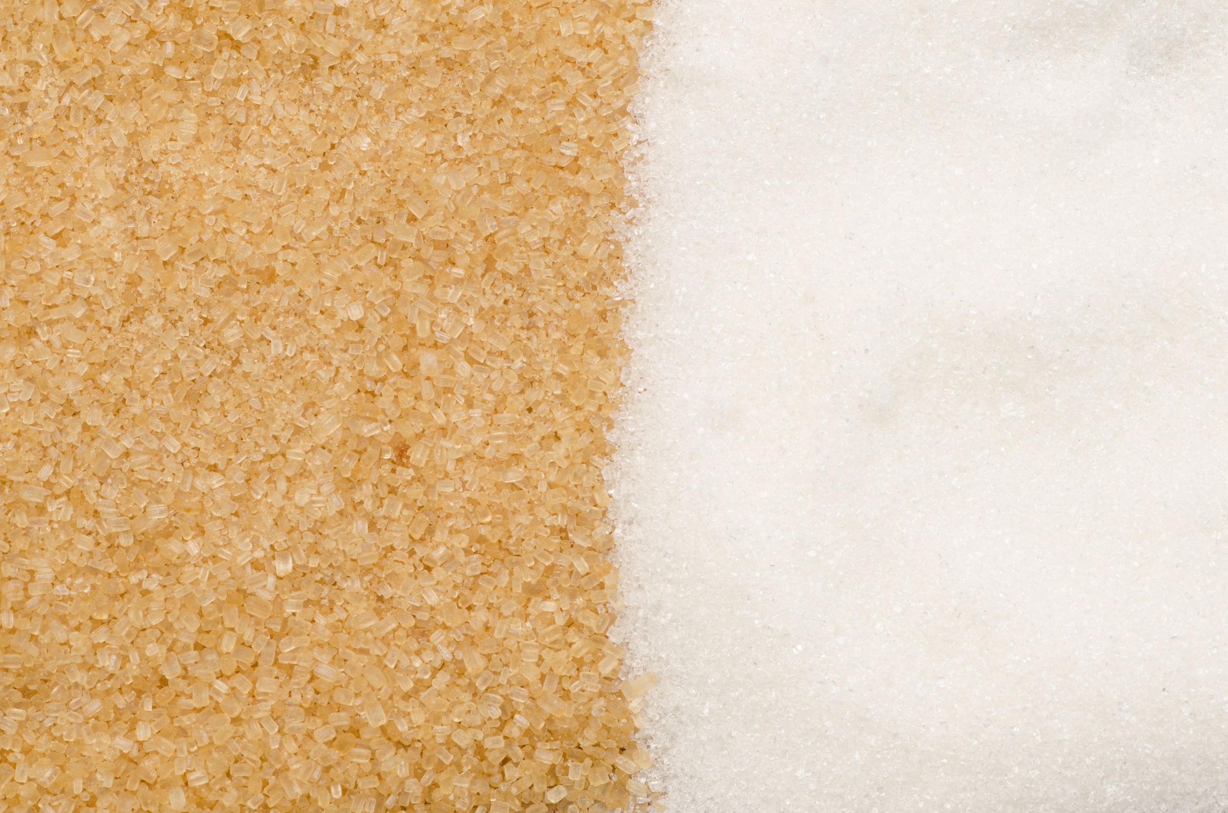 Lo zucchero di canna è migliore di quello bianco?